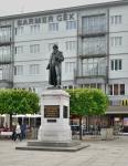 Gutenberg in front of Macca's